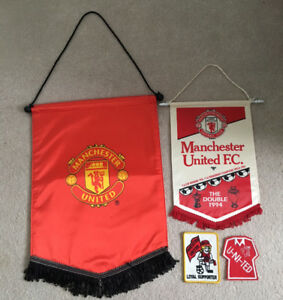 Manchester United Pennants and Badges
