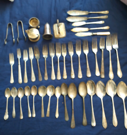 Silver plate cutlery.