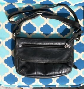 FOSSIL Purse! EXCELLENT Condition! Black Leather