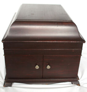 Antique Victor Victrola Table Top Gramophone 1915