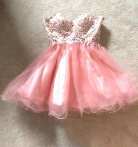 Prom dress size medium. From YaYa & Co. Perfect condition.