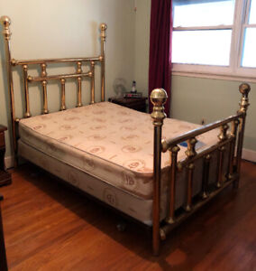 Brass Bed, Double. Call Pat @ 905-357-0293. $30.