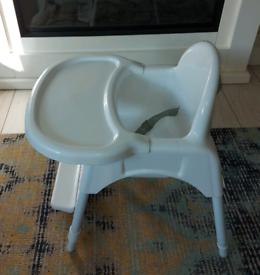 Toddler feeding chair