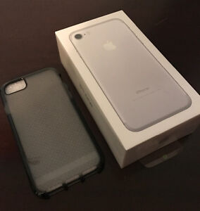 Today ONLY BNIB Sealed Silver iPhone 7 32gb (Rogers)
