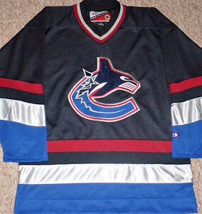 Vancouver Canucks 1997 - 2003 Pro Player Jersey Size Large