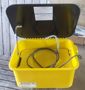 3 1/2 GALLON PARTS WASHER. NEVER USED.