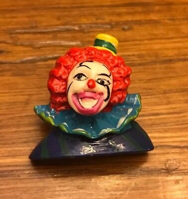 """Holiday Pin 1 1/2"""" Clown Unbranded"""