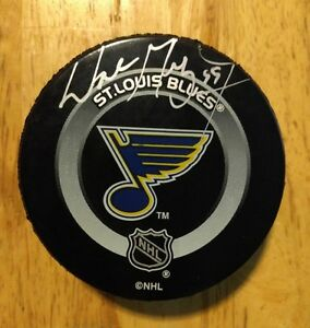 WAYNE GRETZKY Signed St.Louis Blues Official NHL Vintage Puck