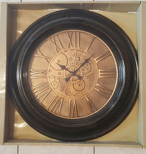 DECORATIVE WALL CLOCK (new)