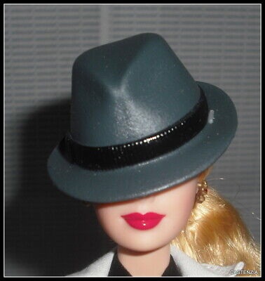 274 BARBIE Lot de chapeaux au choix  Various hats at choice