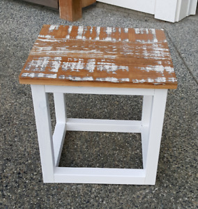 Small side/coffee table