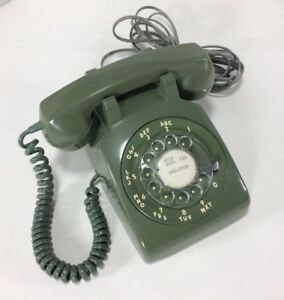 VINTAGE NORTHERN ELECTRIC OLIVE/AVACADO ROTARY TELEPHONE  WORKS