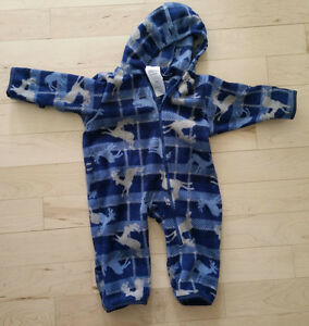 2 Columbia fleece snowsuits, great for carseat, 6-12m, 12-18m