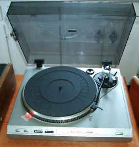 Fisher MT -6410 Turntable