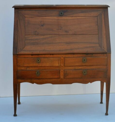 Antique Louis XVI Walnut Provincial Desk, late 18th Century