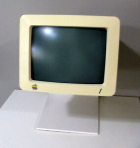 Apple //c 9-inch monitor with stand - excellent display