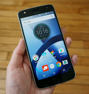 Moto Z Play (32 GB) for sale (Silver-Black combo color)