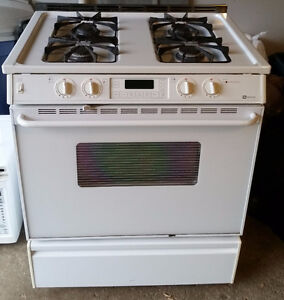 High End Maytag Gas Stove / Range in Great Condition!