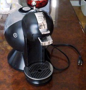 Machine a café Dolce Gusto coffee machine