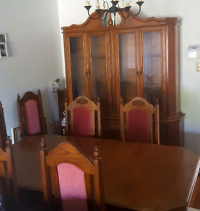 Vintage Style Dinning Room Set W China Cabinet
