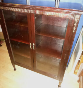 Very NICE Antique DISPLAY CABINET Book Case.