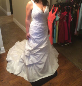 ADK BOUQUET by Eddie K BRIDAL SIZE 12