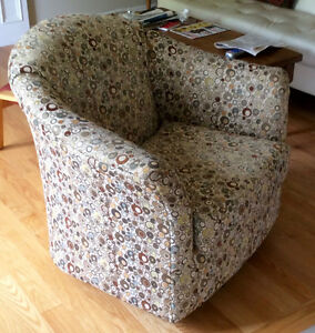 Swivel Chair, 3 years old