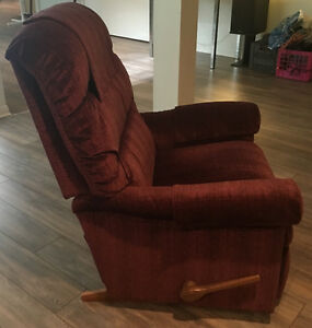 Recliner in excellent condition for sale West Island Greater Montréal image 2