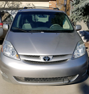 2007 Toyota Sienna LE,  8 Seats, MECHANIC SPECIAL.