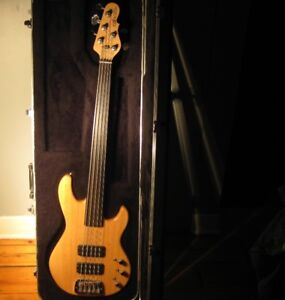 Basse G&L L-2500 fretless 5 cordes USA (unlined)