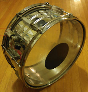$60 Pearl snare drum