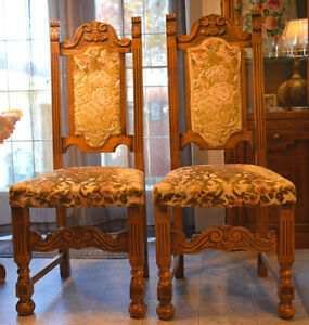Sold 2 vintage chairs.