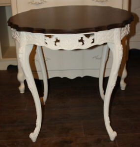 GORGEOUS FRENCH PROVINCIAL ROUND INLAID, CARVED TABLE