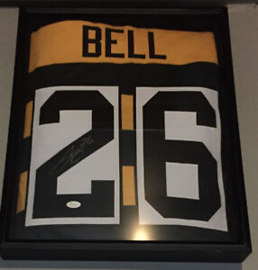 Le Veon Bell Autographed Jersey