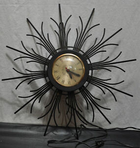 Vintage 1960's electric wall clock by Sessions. Kitchener / Waterloo Kitchener Area image 1