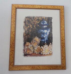 Set of 2 framed vase floral prints wall hanging decor London Ontario image 3
