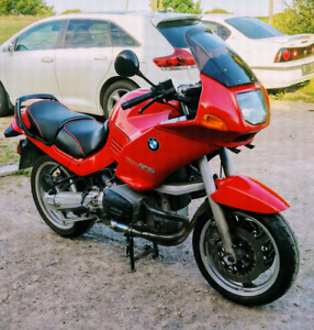 94 BMW R1100 RS ONLY 52000 kms.