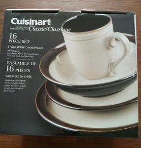 FOR SALE - Cuisinart 16 piece dinnerware set