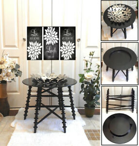 Gorgeously Mint! Beautiful collapsible Black Tray Table