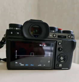 Fuji X T2 Camera body only