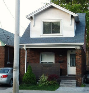 3 Bedroom House near Danforth area (Broadview/Cosburn)