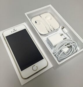 Mint Condition Apple iPhone 5S 16GB Gold - Locked to Rogers