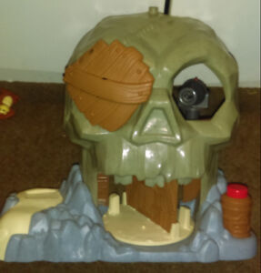 2 JACK AND THE NEVERLANDS PIRATE PLAYSET
