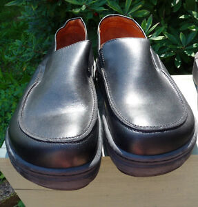 Black Footprints (made by Birkenstock) Dress Shoes Size 41