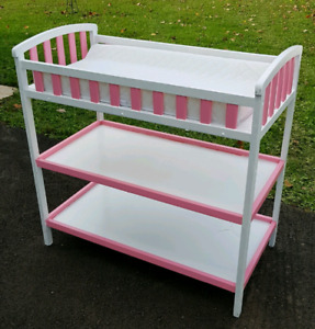 *REDUCED* Change Table for Baby Girl