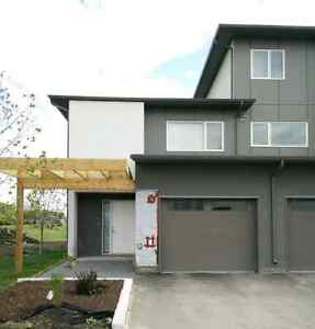 3 bedroom 2.5 bath condo with parking for 2 in South Winnipeg
