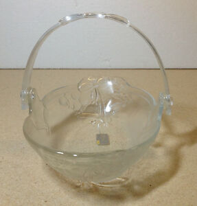 "Mikasa Crystal 9"" 'Holiday Bells' clear handled bowl / basket Cambridge Kitchener Area image 8"
