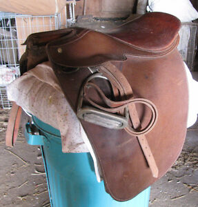 Crosby English Saddle