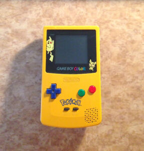 Gameboy Color - Pikachu / Pichu Limited Edition