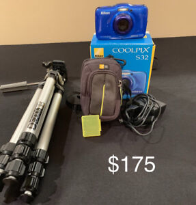 Nikon Coolpix S32 Waterproof Camera plus Tripod/Case